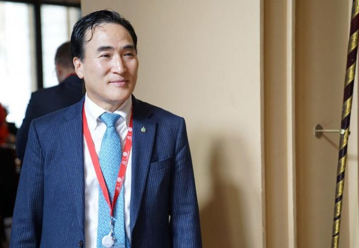 Kim deberá terminar el mandato de cuatro años de Meng. (FOTO: AFP)
