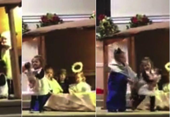Niñas en una pastorela discuten por cargar al Niño Jesús. (Especial/Sin Embargo)