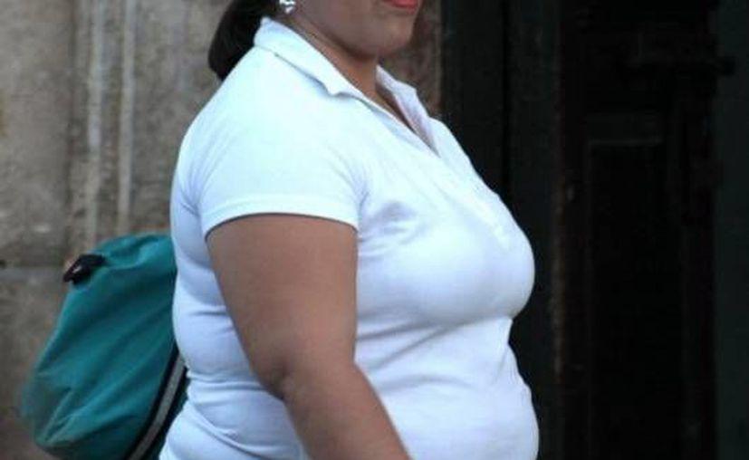 Las personas obesas son susceptibles de padecer enfermedades no transmisibles; es necesario consumir los cultivos tradicionales, en lugar de las dietas modernas. (Archivo Sipse)