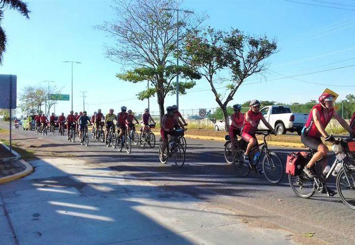 A su regreso, los ciclistas promoverán en sus países de origen los destinos y tradiciones de Q. Roo. (Foto: Redacción)