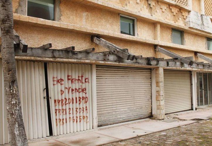 Algunos puntos de la zona hotelera muestran imagen de abandono. (Jesús Tijerina/SIPSE)