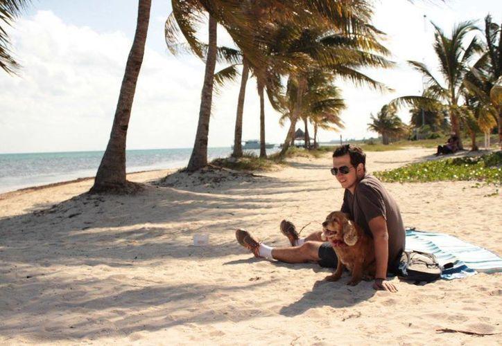 La playa El Mirador II mantendrá su cualidad de 'pet friendly' aún cuando obtenga la Blue Flag. (María José Castillo/SIPSE)