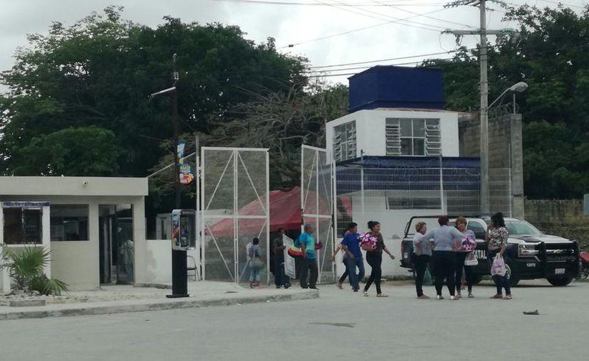 Denuncia mujer maltrato por parte de las autoridades carcelarias. (Eric Galindo/SIPSE)