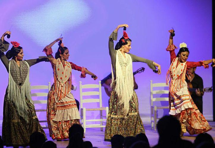 Bailes flamencos llenarán el Teatro 'Fantasio' el próximo viernes 18 de diciembre, a las 21:00 horas; el sábado 19, a las 19:00 horas, y el domingo 20, en punto de las 21:30 horas. (Milenio Novedades)