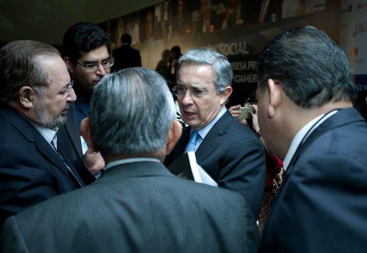 El expresidente de Colombia, Álvaro Uribe Vélez, este viernes en el Centro Fox de San Francisco del Rincón, Guanajuato. (EFE)