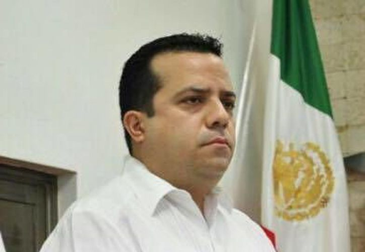 El diputado local por el PRD, David Barrera Zavala, manifestó que prepara una iniciativa de reforma  en el caso de los saqueos a Ayuntamientos por parte de exalcaldes. (SIPSE)