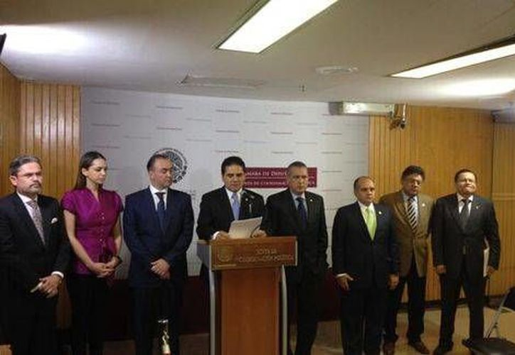 En conferencia, la Junta de Coordinación Política anunció a los integrantes del comité evaluador del INE. (Twitter/ @Silvano_A)