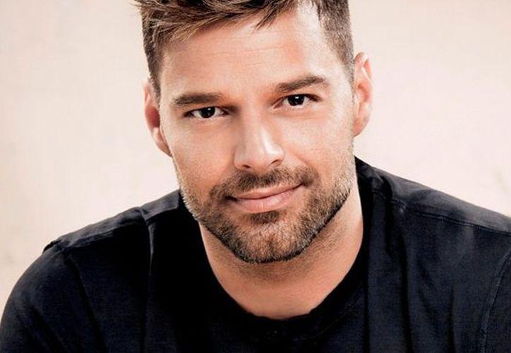Ricky Martin realizó una jornada solidaria, en la que llevó cajas con víveres a Puerto Rico. (Contexto/Internet).