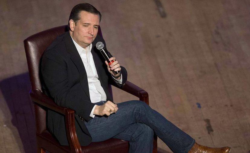 Ted Cruz, aspirante republicano a la Casa Blanca defiende la construcción de un muro en la frontera con México. (AP)