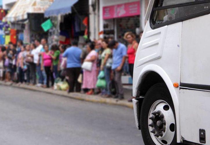 Mañana viernes habrá cambio de paraderos en el Centro de Mérida, con motivo del operativo de seguridad por la visita del presidente de Cuba, Raúl Castro Ruz. (José Acosta/Milenio Novedades)