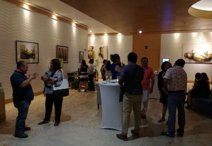 La exposición se realizó en la galería Mandarina, anexa en el hotel Four Points by Sheraton. (Faride Cetina/SIPSE)