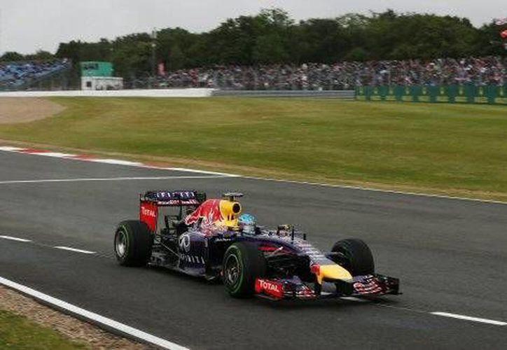 Vettel obtuvo la mejor clasificación para un piloto alemán en la historia de la prueba.(Foto:The Associated Press)