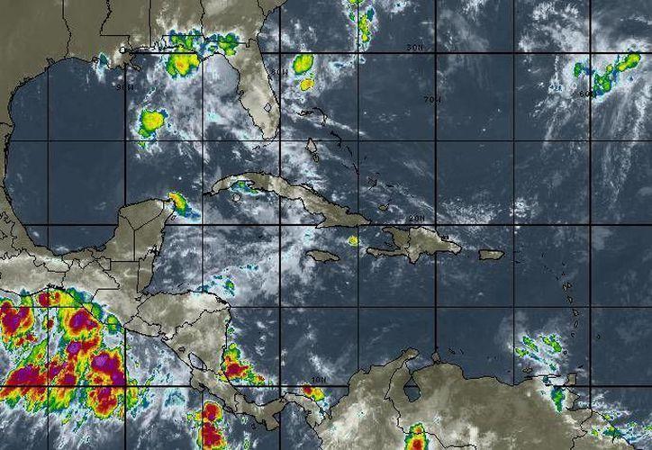 En Cancún la probabilidad de lluvias es del 80%.  (Intellicast)