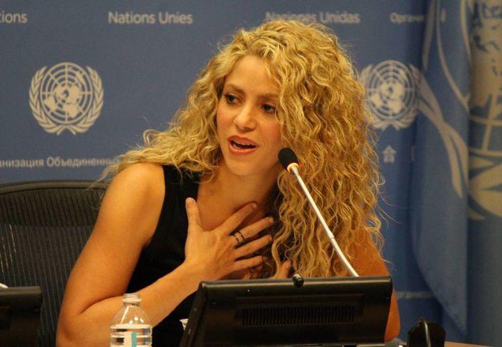 La colombiana Shakira dio este martes una rueda de prensa en la sede de la ONU donde pidió a la comunidad internacional redoblar la inversión en el desarrollo de los niños. (Notimex)