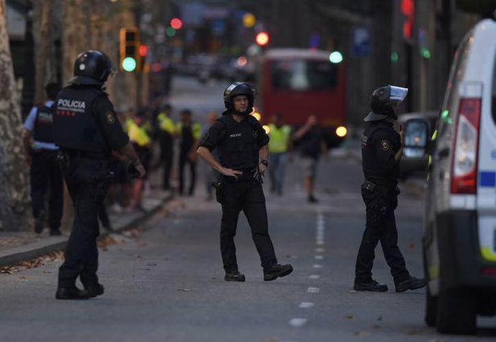 El elemento, al ver que se dirigían hacia él, logró abatir con su arma a cuatro de los atacantes. (Foto: La Jornada)