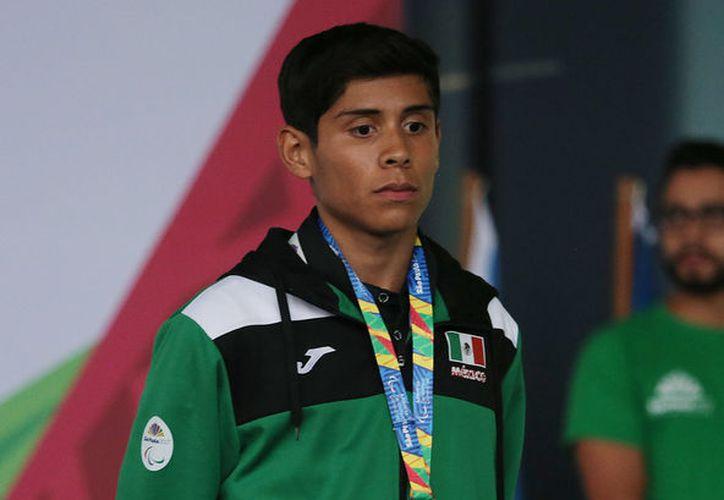 Gabriel Niño Arellano se adjudicó la medalla de bronce en los 100 metros planos en ParaPanamericanos. (Vanguardia).