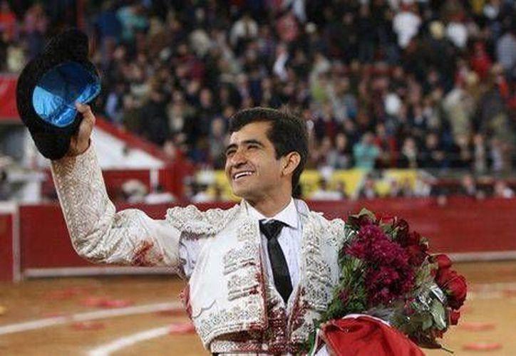Joselito Adame continua con su destacada gira por ruedos españoles, donde ha conseguido salir triunfador en varias ocasiones. (Notimex)
