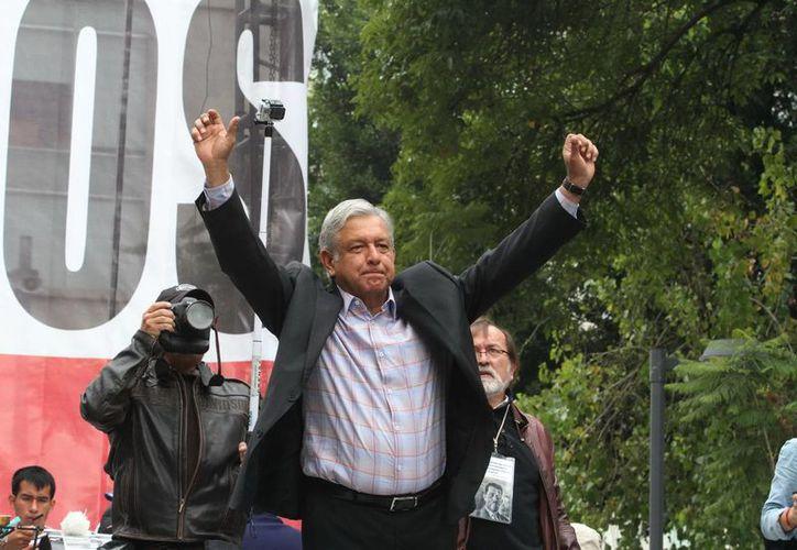 El apagón organizado por López Obrador es contra el aumento mensual al precio de la gasolina. (Notimex/Foto de archivo)