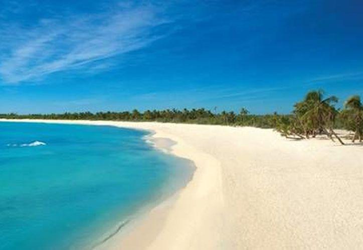 Durante la temporada invernal las aguas del Caribe mexicano conservan sus temperaturas cálidas. (Foto de contexto/Internet)