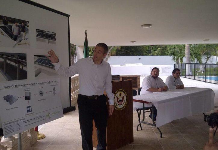Paul Nichols: los paneles solares proveerán de energía suficiente para la iluminación de todo el edificio. (Cortesía)