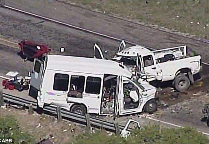 El choque ocurrió alrededor de las 12:30 horas en la carretera federal 83. (KABB).