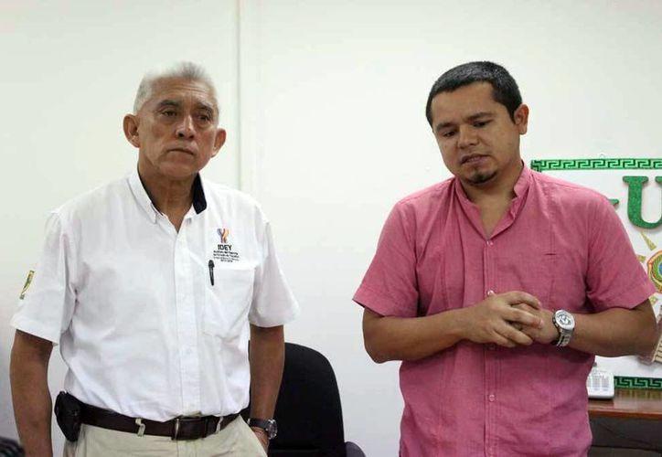 Ernesto Lugo Sánchez (der.), presidente de la Asociación Yucateca de Tiro con Arco, destacó el nivel de competitividad del 'Kim Balam'. (Milenio Novedades)