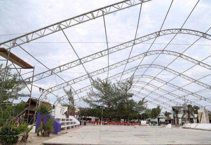 En el parque central se efectuará la ceremonia. (Luis Soto/SIPSE)