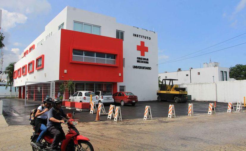 La Cruz Roja Cancún ofrece servicios de odontología, análisis clínicos, rayos X y traumatología. (Paola Chiomante/SIPSE)