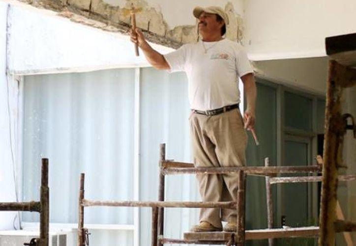 Todas las construcciones que se realicen en la isla deben exhibir los permisos emitidos por el Ayuntamiento de Cozumel. (Cortesía)
