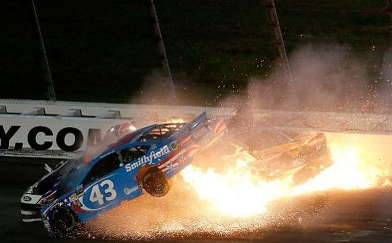 Terrible accidente en el Nascar