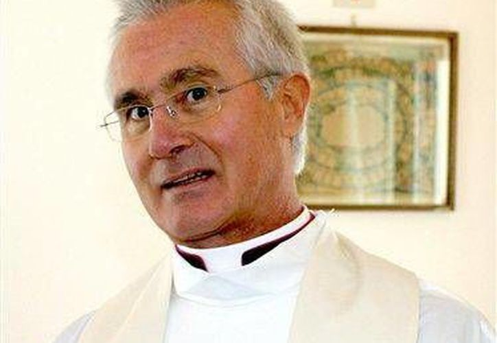 Monseñor Nunzio Scarano fue interrogado este lunes por magistrados italianos por primera vez. (Agencias)
