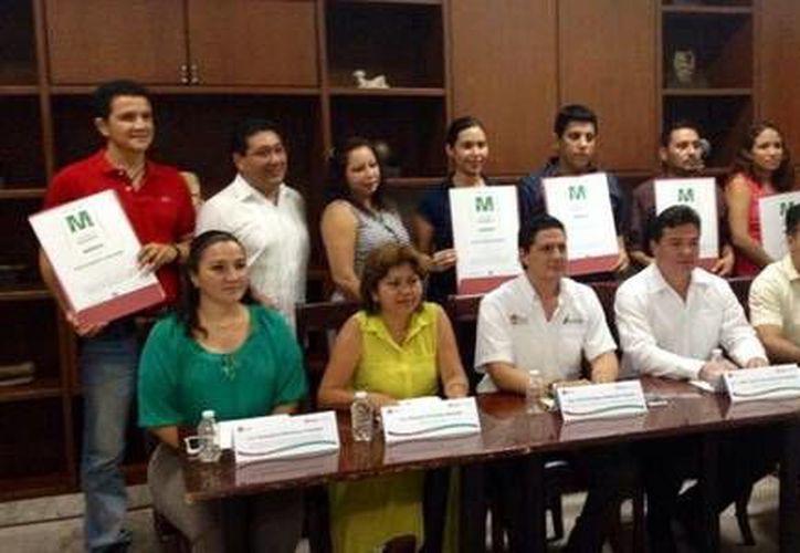 Con la entrega de estos distintivos 'M' Quintana Roo reporta 369 vigentes. (Redacción/SIPSE)