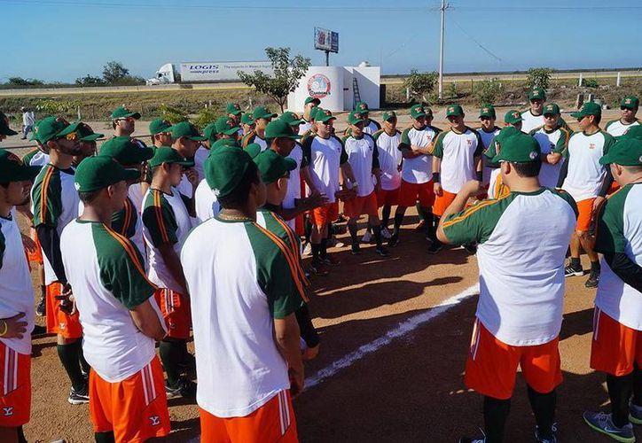 El deportivo Los Cardones, en Mazatlán, fue la sede de la inauguración de la pretemporada de Leones de Yucatán. (Milenio Novedades)
