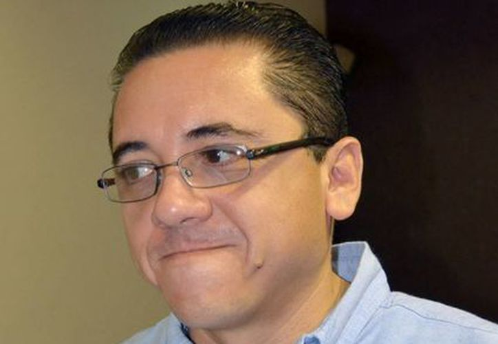 Diputados panistas buscan que se apliquen sanciones contra el maltrato animal. En la imagen, el legislador Víctor Hugo Lozano Poveda. (SIPSE)