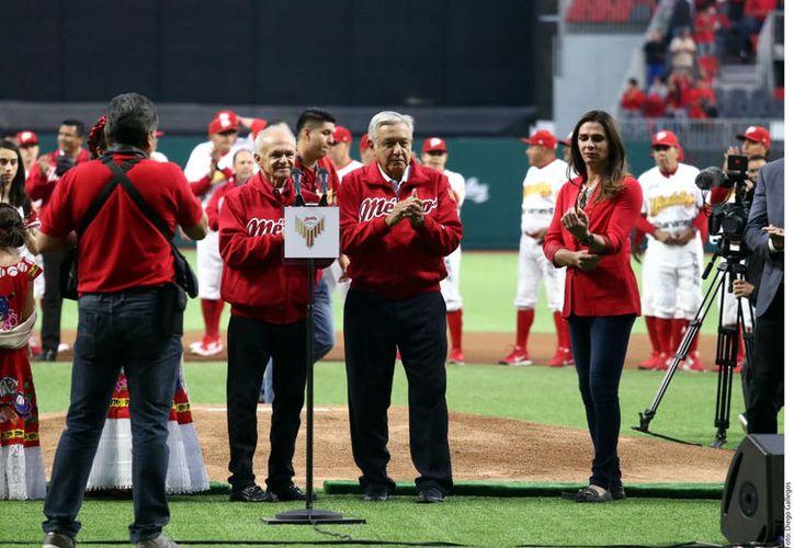 El Presidente Andrés Manuel López Obrador asistió a la inauguración del nuevo estadio de los Diablos Rojos de México. (Agencia Reforma)