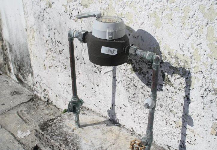 Se registró una baja presión en el suministro del agua. (Octavio Martínez/SIPSE)