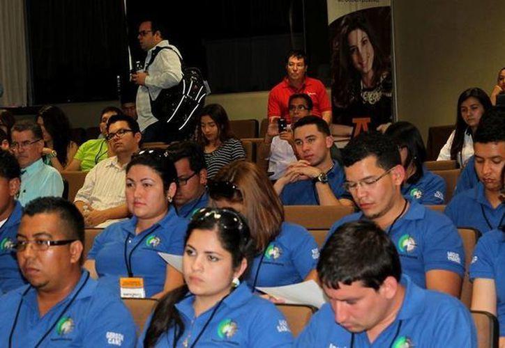 Participantes en el Congreso Internacional de Ergonomía que se realiza en la Universidad Anáhuac Mayab. (Cortesía)