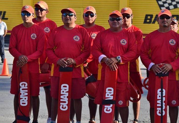 El sueldo de un rescatista en Cozumel es de alrededor de $4 mil quincenales. (Foto: Gustavo Villegas)