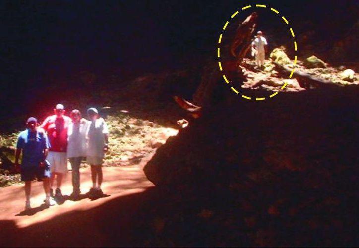 Esta es la imagen que la familia de Umán tomó en las Grutas de Loltún. (J. Moreno/ SIPSE)
