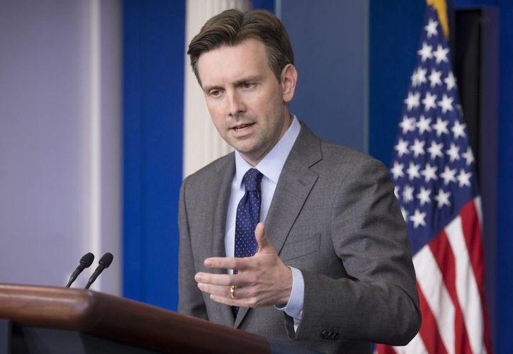 El portavoz de la Casa Blanca, Josh Earnest, dijo que el acuerdo representa un paso potencialmente significativo hacia una solución pacífica del conflicto. (Archivo/EFE)