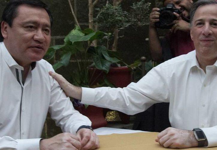 Ambos políticos se retiraron casi dos horas después de iniciada la reunión. (Foto: Cuarto Oscuro)