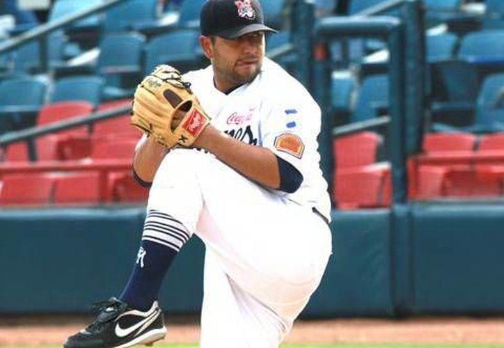 Jonathan Castellanos, serpentinero de 32 años, llegó al beisbol mexicano en 2007 y la campaña pasada fue el mejor pítcher de la primera vuelta. (Milenio Novedades)