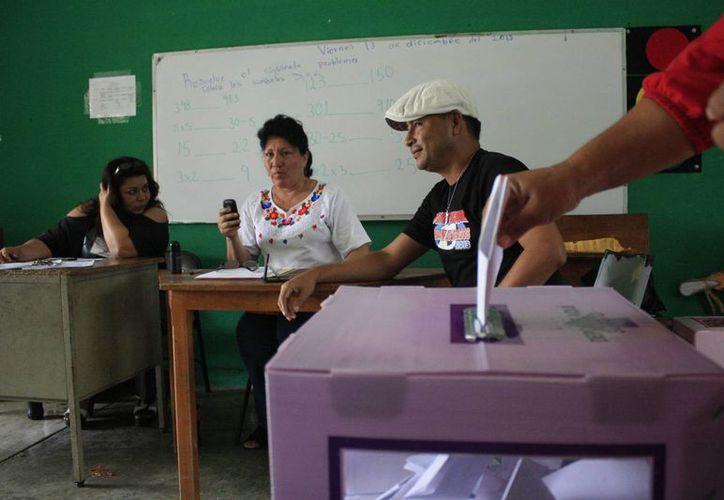 Candidatos han denunciado que antes y durante el proceso electoral se presentaron diversas irregularidades. (Archivo/SIPSE)