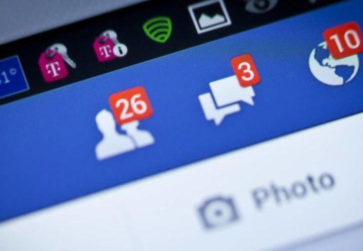 Facebook envía a una carpeta 'oculta' los mensajes privados que considera que pueden ser spam. (Contexto)