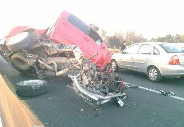 Accidente en la carretera Chalco-Cuatla (Lauro Galicia/Milenio)