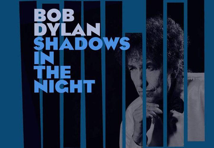 Portada del nuevo disco del legendario Bob Dylan, quien canta éxito de otra leyenda de la música: Frank Sinatra. (bobdylan.com)