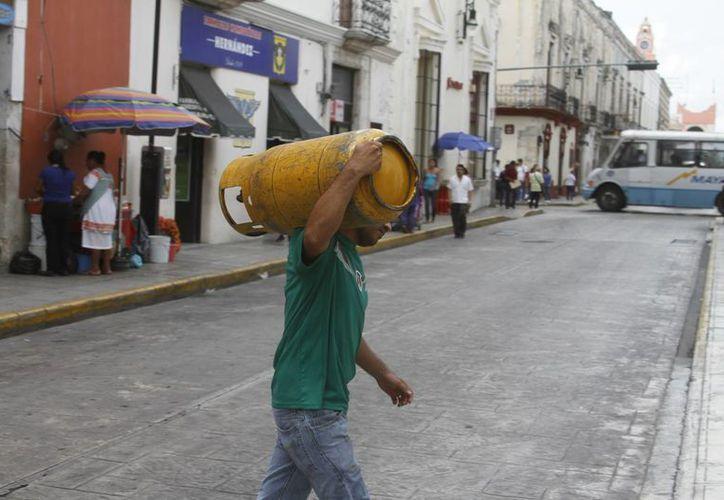 Durante la primera semana del año, el costo del gas LP superó los 17 pesos por cada kilogramo. (Milenio Novedades)