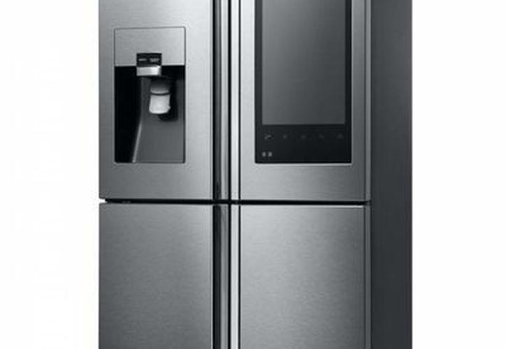 El refrigerador tiene integrada una cámara y una pantalla táctil Full HD. (Samsung)