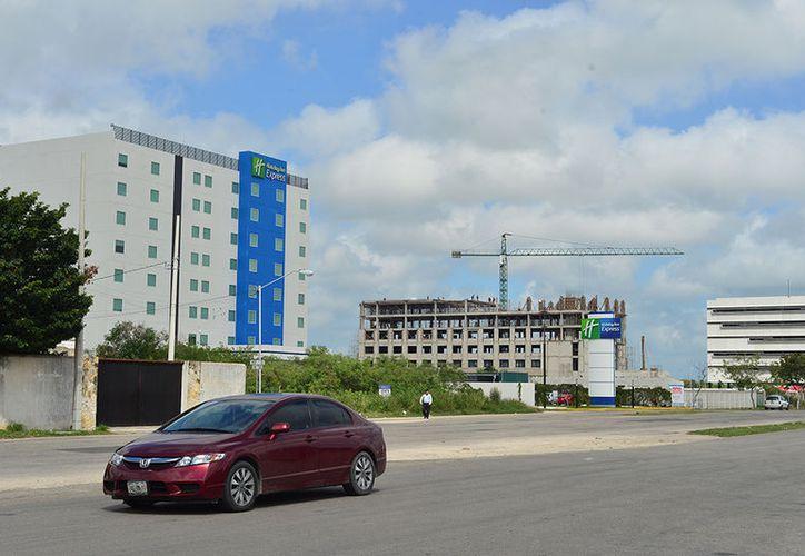 El nuevo tipo de construcción de los hoteles de Mérida es en forma de torres, con el objetivo de aprovechar mejor los espacios. (Milenio Novedades)
