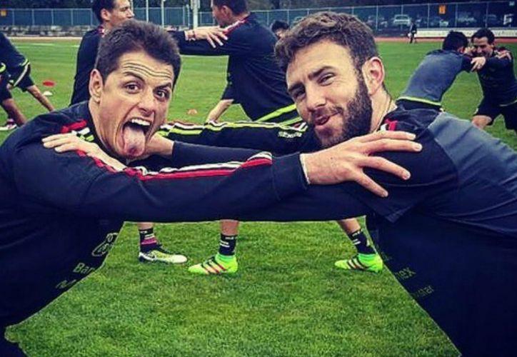 La amistad entre estos dos jugadores (Chicharito Hernández y Miguel Layún) no es algo nuevo y afirman, es un lazo que no se romperá. (Contexto/ Internet)